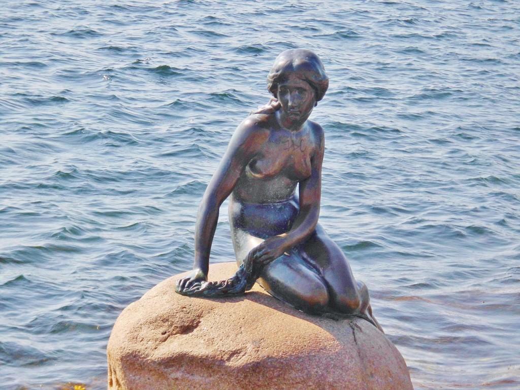 statua-della-sirenetta-copenaghen-1024x768